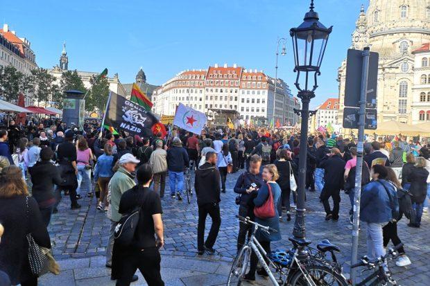 Der Gegenprotest am Neumarkt Dresden am 20. Oktober 2019. Foto: Privat