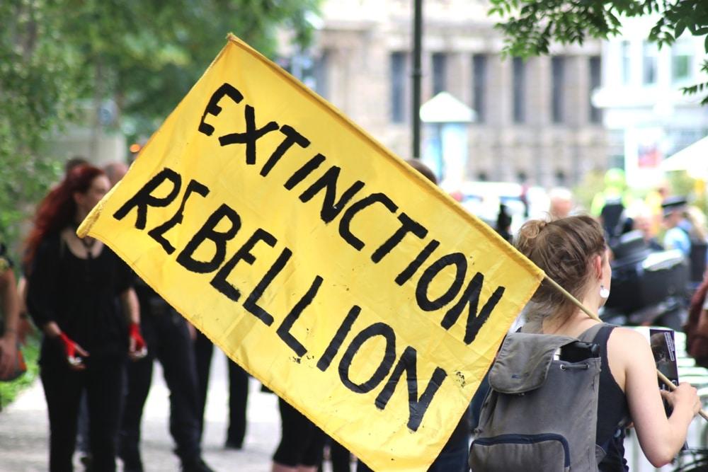 Extinction Rebellion zum WGT 2019 in Leipzig mit einer Demo - sonst geht es um friedliche Guerillaaktionen. Foto: L-IZ.de