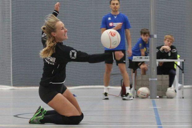Anna Hirtzel hier für den SC DHfK beim Turnier in der Sportschule am Ball. Foto: Jan Kaefer