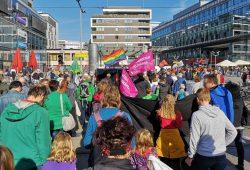 Herz statt Hetze, Leipzig nimmt Platz und Chemnitz nazifrei bei der gemeinsamen Gegendemo. Foto: Privat