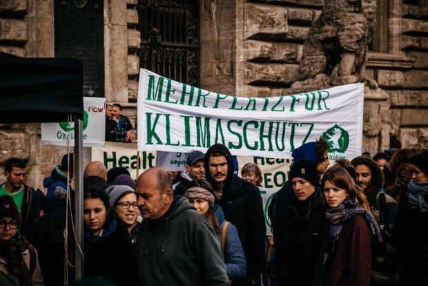 Demo am 31. Oktober vorm Neuen Rathaus. Foto: Tobias Möritz