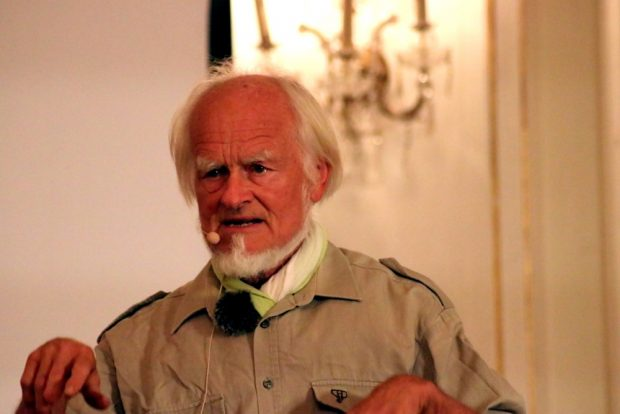 Prof Dr. Bernd Gerken beim Auwaldsymposium in der Alten Börse. Foto: L-IZ.de