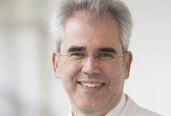 Prof. Ulrich Laufs ist Direktor der Klinik und Poliklinik für Kardiologie am UKL und freut sich über viele Zuhörer bei der Veranstaltung seiner Klinik im Rahmen der Herzwoche am 5. November. Foto: Stefan Straube / UKL