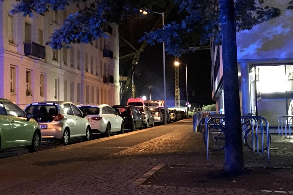 Unklare Brandursache beim ehem. technischen Rathaus an der Pragerstraße in der Nacht. Foto: L-IZ.de