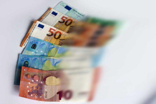 Flüchtiges Geld. Foto: Ralf Julke
