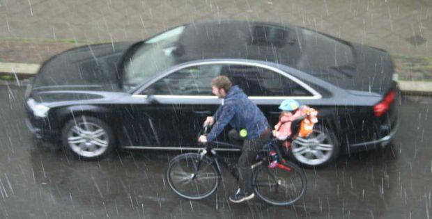 Bei (fast) jedem Wetter. Foto: Ralf Julke