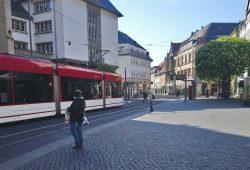 """Gelunges Beispiel für """"shared space"""": Die Schlösserstraße in Erfurt. Foto: ADFC Leipzig"""