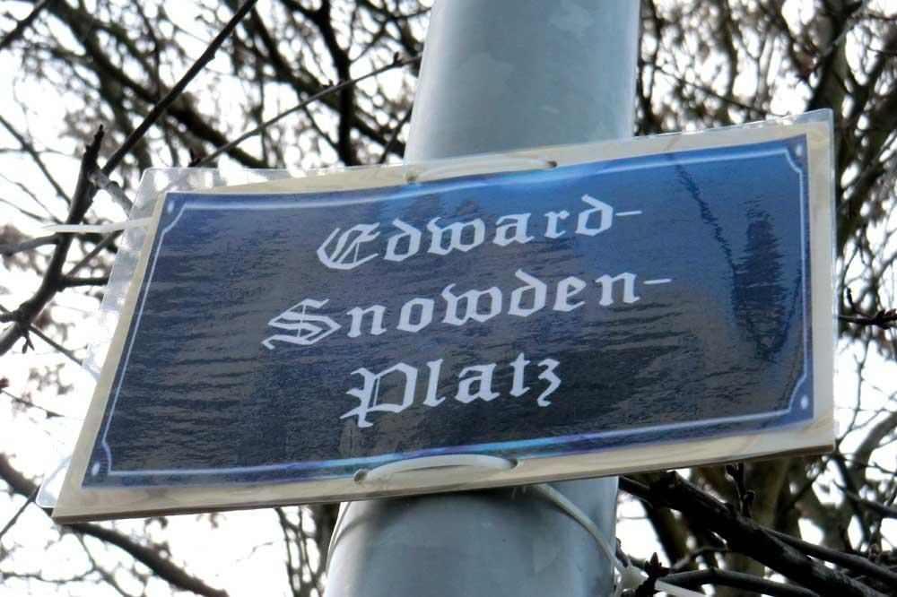 2014 in Plagwitz entdeckt: Edward-Snowden-Platz. Foto: Marko Hofmann