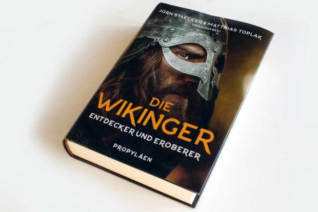 Jörn Staecker, Matthias Toplak (Hrsg.): Die Wikinger. Foto: Ralf Julke