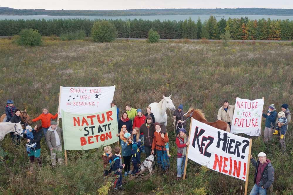 Protestaktion am Störmthaler See. Foto: Steve Sroka