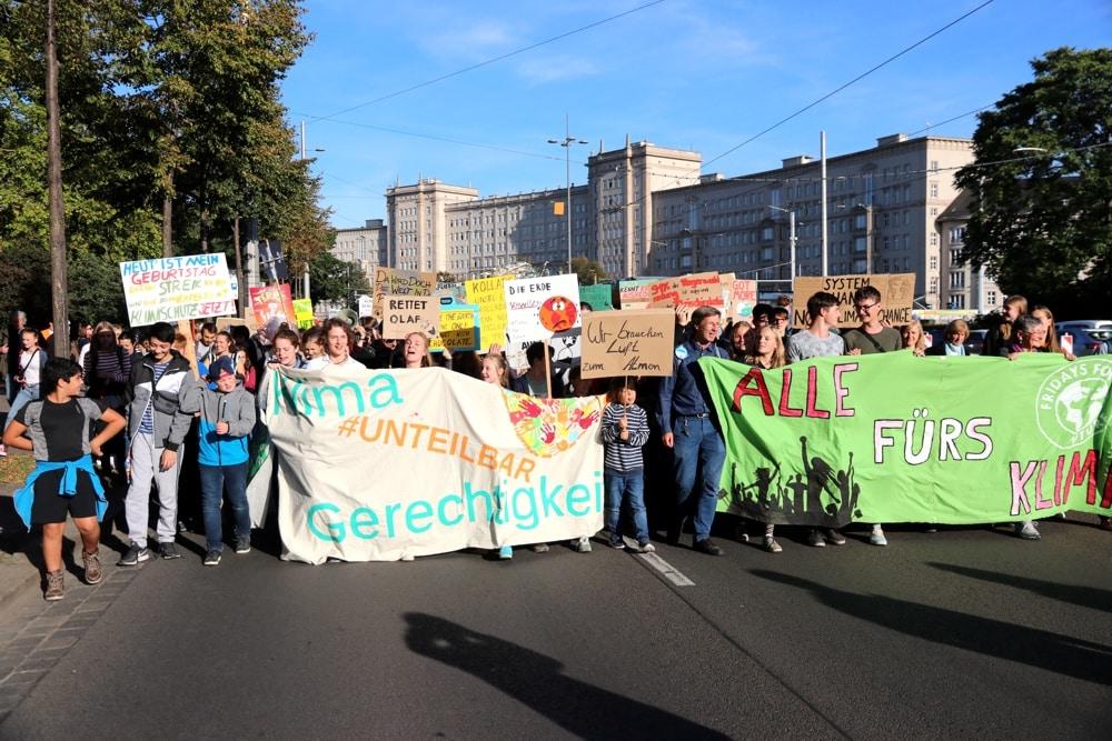 Der erste große Klimastreik in leipzig am 20. September 2019 mit 20.000 Teilnehmern auf dem Ring. Foto: Michael Freitag