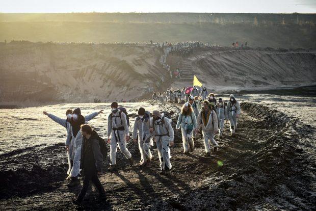 """Insgesamt nahmen am 30. November 2019 rund 4.000 Menschen an der """"Ende Gelände""""-Aktion in der Lausitz und im Leipziger Revier teil. Foto: Tim Wagner"""