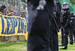 Der Leipziger Fußball und die Polizei – eine unendliche Geschichte. Foto: Jan Kaefer