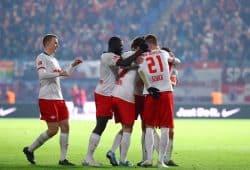 Die RBL-Spieler freuen sich über einen weiteren klaren Sieg. Foto: Gepa Pictures