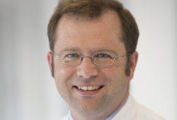 UKL-Kardiologe Prof. Rolf Wachter leitet eine große, deutschlandweite Studie zur Verhinderung von Schlaganfällen. Foto: Stefan Straube / UKL