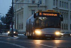 Buslinie 76 in Probstheida. Foto: Ralf Julke