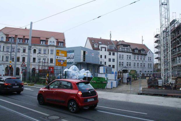 Blick von der Georg-Schwarz-Straße auf das Gelände der Liebesinsel. Foto: Ralf Julke