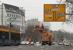 Ab heute ist hier das Linksabbiegen nach Gera und Chemnitz nicht mehr möglich. Foto: Ralf Julke