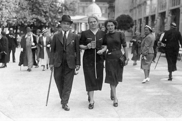 Moritz Neger (Thomasiusstraße 7) mit Familie in Karlsbad in den 1930er Jahren. Foto: privat