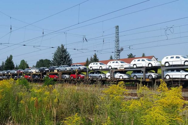 Neue Autos für das Land. Foto: Marko Hofmann