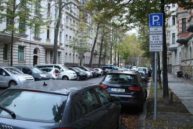 Schild zum Bewohnerparken im Waldstraßenviertel. Foto: Ralf Julke