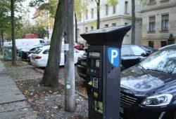 Parkautomat im Waldstraßenviertel. Foto: Ralf Julke