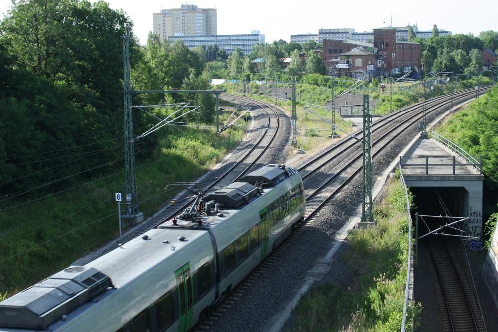S-Bahn auf dem Weg Richtung Zwickau. Foto: Ralf Julke