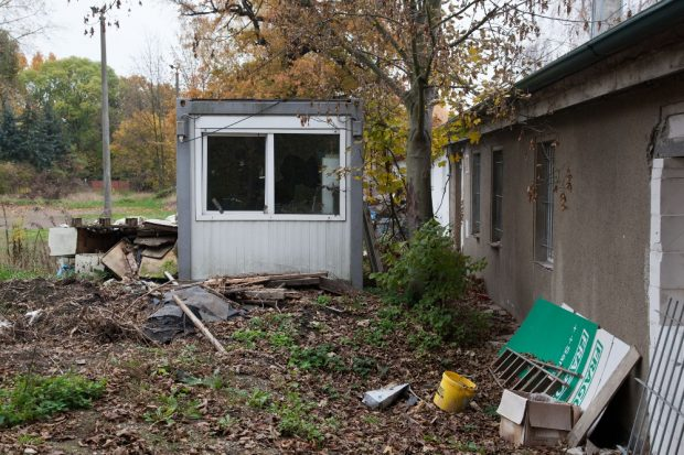 Der verlassene Baucontainer auf dem Vereinsgelände. © Michael Billig