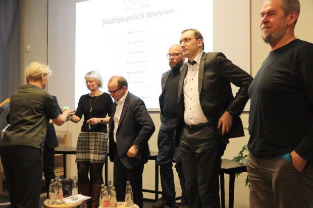 Die Leipziger FDP debattiert mit Stadt für Alle über Wohnungspolitik - bis auf die L-IZ ist keine Presse vor Ort Foto Michael Freitag