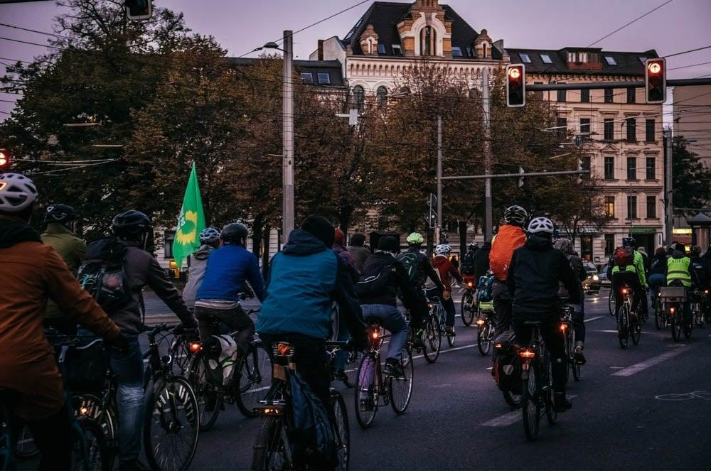 Eine Fahrraddemo in Leipzig. Wie es wohl wäre, wenn mehr Leipziger aufs Rad steigen? Foto: Tobias Möritz
