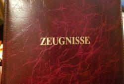 Für die Lehrer bedeuten die schriftlichen Bewertungen eine Menge Mehrarbeit. © Leipziger Zeitung