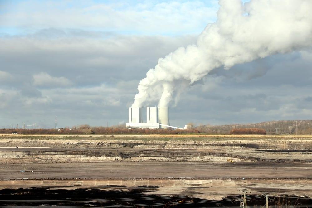 Landschaftsidylle Braunkohletagebau mit Kraftwerk Lippendorf. Foto: Michael Freitag