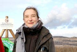 Lisa Allisat mit Fridays for Future am Tagebau Schleenhain. Foto: Michael Freitag
