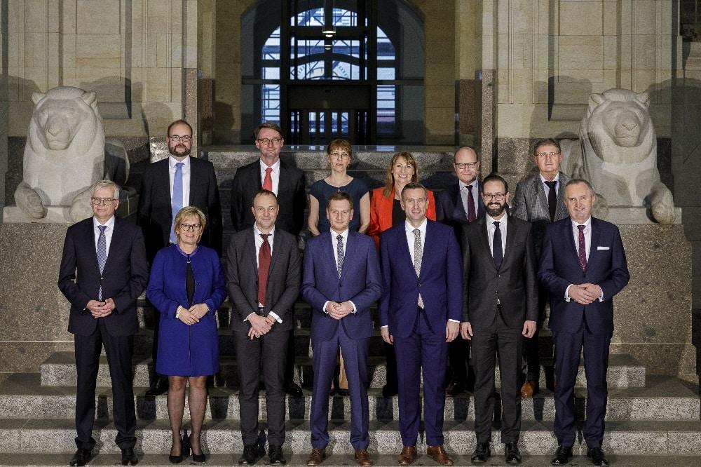 Ministerpräsident Michael Kretschmer und sein Kabinett. Foto: Nikolai Schmidt