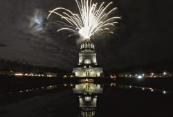 Feuerwerk am Völkerschlachtdenkmal. © Bertram Kober/PUNCTUM