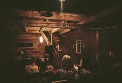 Während eines Liederabends im Vogtland. © BLICKINSFREIE