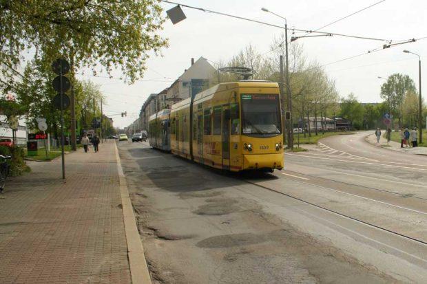 Heutige Situation: Einmündung der Bismarckstraße (rechts) in die Dieskaustraße. Foto: Ralf Julke