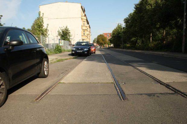 Stillgelegte Gleise in der Hermann-Liebmann-Straße. Foto: Ralf Julke