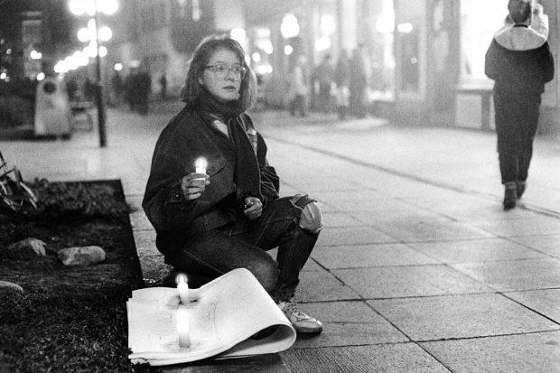 Mit Kerze in der Grimmaischen Straße. Foto: Martin Jehnichen