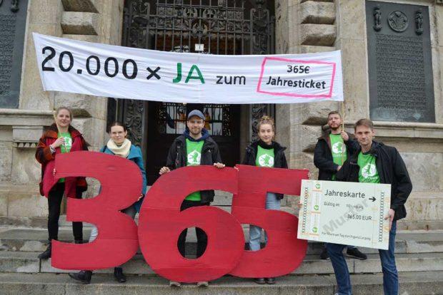 Demo für das 365-Euro-Ticket. Foto: Ökolöwe