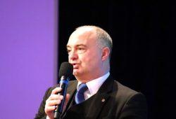 """Christoph Neumann (AfD) kann seine OB-Wahlveranstaltung in der """"Großen Eiche"""" durchführen. Eine Entscheidung, die nun auch für alle anderen OB-Wahl-Bewerber/-innen gilt. Foto: L-IZ.de"""