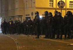 Polizeieinsatz am Connewitzer Kreuz in der Silvesternacht. Foto: L-IZ.de