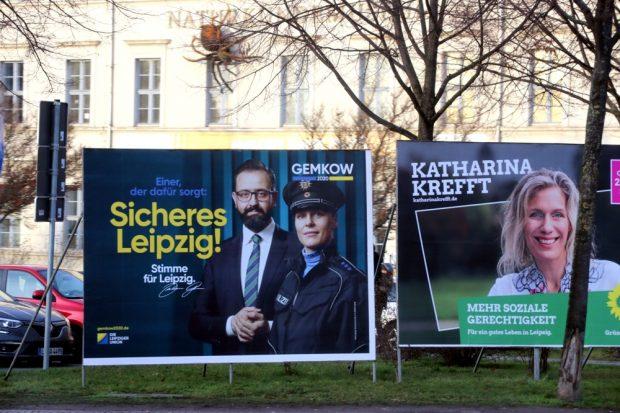 """Rechts soziale Gerechtigkeit, links Sebastian Gemkow (CDU) mit einem """"Scherheitswahlkampf"""" zur OB-Wahl am 2. Februar 2020. Foto: L-IZ.de"""