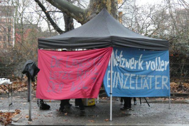 Protest von linken Aktivisten vor dem Amtsgericht. Foto: Lucas Böhme