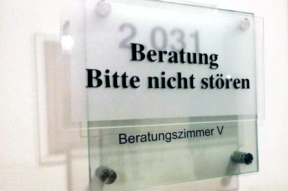 18:40 Uhr Seit Stunden berät sich nun die Kammer des BVerG zum Thema Indymedia. Foto: L-IZ.de