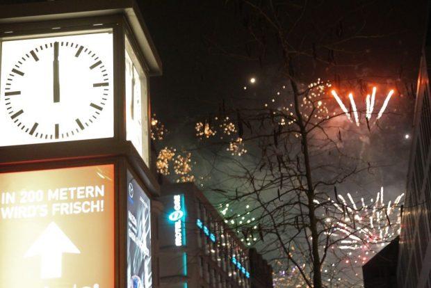 Leipzig, Silvester 2019, Grimmaische Straße. Feuerwerk um Mitternacht. Foto: Jan Kaefer