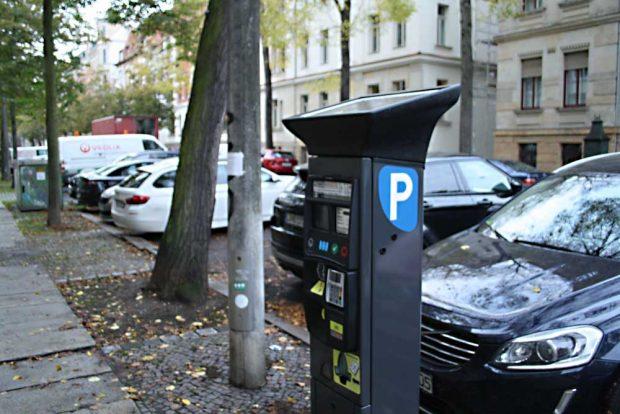 Bewohnerparken im Waldstraßenviertel. Foto: Ralf Julke