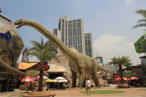 Argentinosaurus - im Sommer ziehen die Helden der Urzeit in den Zoo Leipzig ein. Foto: Dino Don