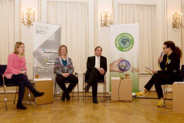 Frankziska Riekewald, Katharina Krefft, Burkhard Jung, Bettina van Suntum. Foto: Parents For Future