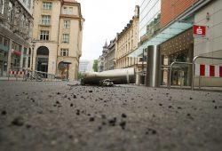 Manche Autofahrer respektieren nicht mal die Poller. Foto: Ralf Julke